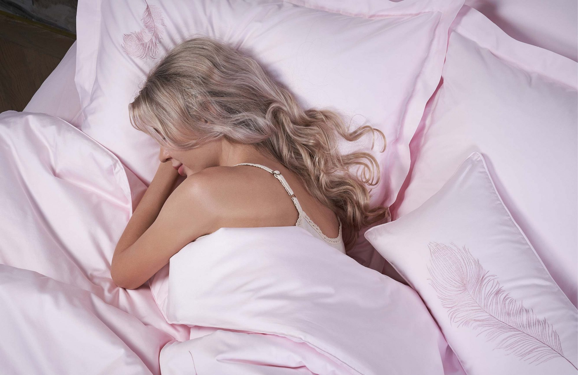 luxury bed linen banner homepage 2