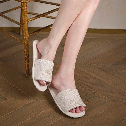 Cream linen slippers