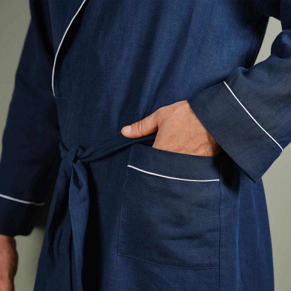 men linen robe pocket detail