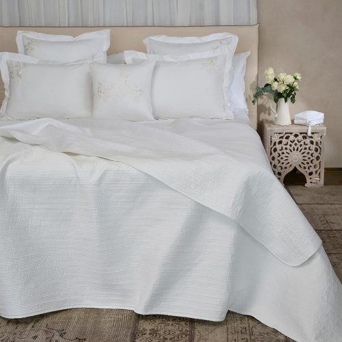 Luna white cotton bed cover