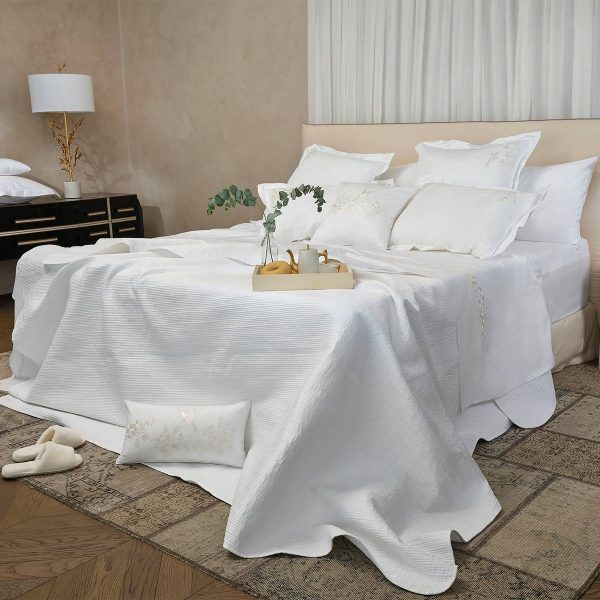 Luna white cotton bed cover