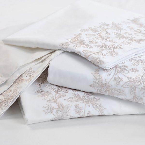 Santa Anna bed linen embroidery