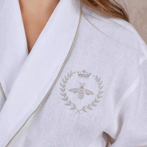 robe embroidery detail